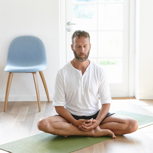 How-Meditation-Can-Keep-You-Young-Hot-and-Sexy-2