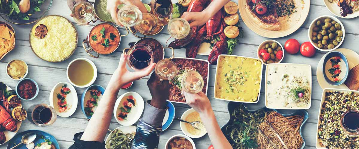 Your 5 Step Guide to Eating Healthy While Eating Out at the Same Time